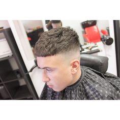 Haircut by amirthebarber http://ift.tt/1s5l5eU #menshair #menshairstyles #menshaircuts #hairstylesformen #coolhaircuts #coolhairstyles #haircuts #hairstyles #barbers