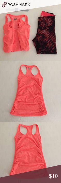 Workout tank top Perfect condition! Only worn twice! This top pairs super nicely with the leggings which are for sale as well on another listing! Can be purchased together or separately! If you have any questions feel free to ask! Old Navy Tops Tank Tops