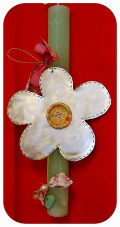 Idea for my Goddaughters Easter candle - I love the mother of pearl flower Greek Easter, Daughter Of God, Pearl Flower, Holiday Time, Easter Crafts, Diy And Crafts, Easter Candle, Wax, Recycling