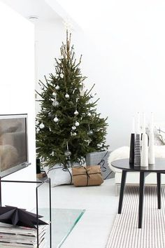 Favorite Things - The Best Holiday Decor From Pinterest - Photos