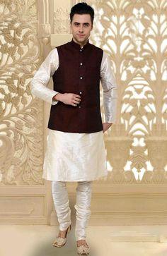 Dashing Off White Kurta Pyjama set With Jacket