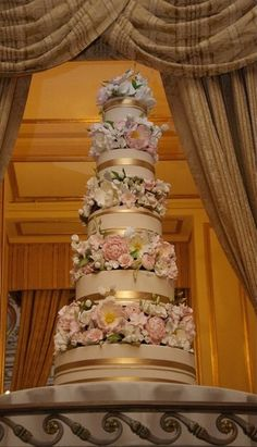 Wedding cakes, one truly must have exciting cake idea, image id 7200555327 - Super cake pointers and ideas. Big Wedding Cakes, Amazing Wedding Cakes, Wedding Cake Toppers, Amazing Cakes, Christmas Themed Cake, Cake Trends, Wedding Cake Inspiration, Floral Cake, Sugar Flowers