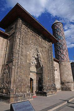 Yakutiye Medresesi | Yakutiye Medresesi Erzurum'da bulunan a… | Flickr