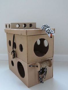 Pets, Home & Garden: Ideal toys for small cats Diy Jouet Pour Chat, Cardboard Cat House, Diy Cardboard, Cardboard Furniture, Cat Playhouse, Diy Cat Toys, Cat Hammock, Ideal Toys, Cat Playground