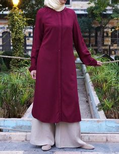 Code: Fabric: Rayon Please rate this top on a scale of 1 - 5 = not so good; Any comments on ways to improve it are welcome, but please be constructive. Remember the colors are not final. Hijab Dress, Hijab Fashion, Duster Coat, High Neck Dress, Prom Dresses, Tunic Tops, Abayas, Bolivia, Kurtis