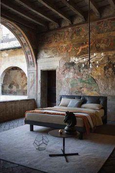 Rustic Italian Home Awesome Bedrooms, Beautiful Bedrooms, Rustic Italian Decor, Deco Design, Design Shop, Interior Architecture, Bedroom Decor, Bedroom Ideas, Bedroom Designs