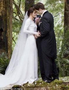 A twilight themed wedding- here. Loved these movies. Please check out my website thanks. www.photopix.co.nz