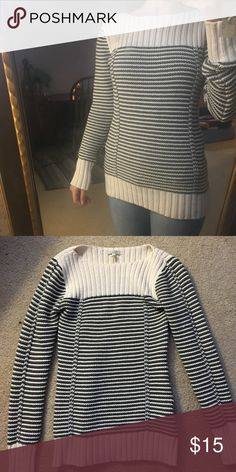 3a5fa7fbb4d696 Old Navy knit sweater Used once Old Navy Tops Tees - Long Sleeve