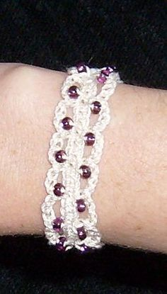Introduction to Crochet/Beaded bracelet - Wikibooks, open books for an open world