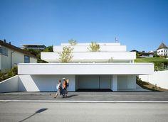 "Keep reading "" Minimal Architecture, Contemporary Architecture, Interior Architecture, Best Architects, Terrace, Building A House, Exterior, House Design, Outdoor Decor"