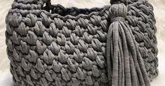 Guild by PODのTシャツヤーンSmoo Tee を使用したぽってりとしたフォルムのバッグの編み方です