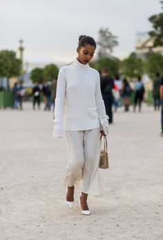 See All the Standout Street Style from Paris Fashion Week Spring 2017 | StyleCaster