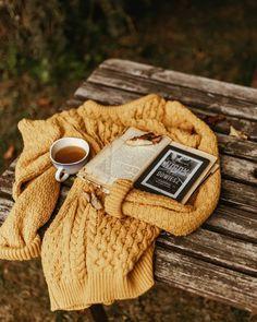 September–a time for reading – Linda Mahkovec – Author Flat Lay Photography, Clothing Photography, Autumn Photography, Book Photography, Product Photography, Cozy Aesthetic, Autumn Aesthetic, Flatlay Instagram, Autumn Flatlay