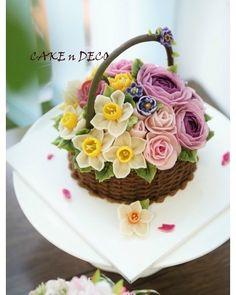 Soy bean cream flower ricecake~♡ 韩式豆沙裱花 Done by China students. Advanced class 4th #cake #modelling #flowercake #covering #flowercake #flower #design #dessert#food#ricecake #class #inquiry #CAKE&DECO # 韩式豆沙裱花 #앙금플라워떡케이크 #앙금플라워 #앙금플라워떡케익 #플라워케이크 #킹프로테아 #심화반클래스문의 #떡케이크 #케이크 #떡 #디저트#인스타그램#사진#일상 #포토그램 #플라워 #플라워케이크 #꽃스타그램 #먹스타그램 #앙금플라워 #케익앤데코 KakaoTalk, WeChat ID : cakendeco http://www.cakendeco.co.kr