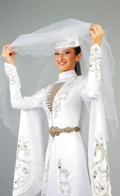 Национальное свадебное осетинское платье фотографии