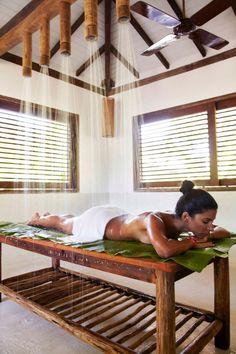 Bio-Vichy-Behandlung im UXUA Casa Hotel & Spa. Spa Design, Spa Interior Design, Spas, Spa Hotel, Spa Treatment Room, Spa Treatments, Massage Room, Spa Massage, Deco Spa
