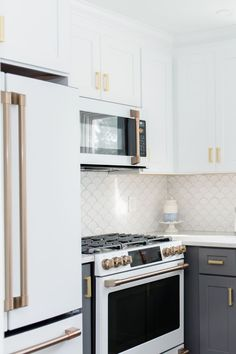 My White & Gold kitchen with Cafe appliances – White N Black Kitchen Cabinets Two Tone Kitchen Cabinets, White Kitchen Appliances, Kitchen Redo, Kitchen Design, Upper Cabinets, Condo Kitchen Remodel, Kitchen White, Grey Cabinets, Coastal Inspired Kitchens