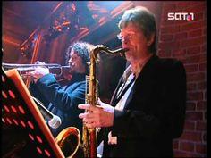 (147) Wir sind Helden - Aurelie (Live Harald Schmidt 2004-08-04) - YouTube