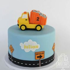 Construction car cake Toddler Birthday Cakes, Baby Boy Birthday Cake, Digger Birthday Cake, 2nd Birthday, Construction Birthday Invitations, Construction Birthday Parties, Construction Party, Car Cakes For Boys, Dump Truck Cakes