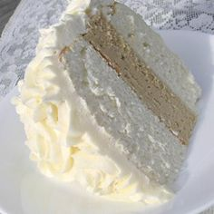 White Almond Wedding Cake Recipe - ounce) package white cake mix 1 cup all-purpose flour 1 cup white sugar teaspoon salt 1 cups water 1 cup sour cream 2 tablespoons vegetable oil 1 teaspoon almond extract 1 teaspoon vanilla extract 4 egg whites Almond Wedding Cakes, Almond Cakes, Wedding Cake Recipes, Cake Wedding, Wilton Wedding Cake Recipe, Making A Wedding Cake, Wedding Cake Frosting, Wedding Cake Flavors, White Almonds