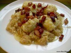 Chlupaté knedlíky se zelím, slaninou a cibulkou... No Salt Recipes, Snack Recipes, Cooking Recipes, Snacks, Slovak Recipes, Czech Recipes, Ethnic Recipes, Slovakian Food, Top 5