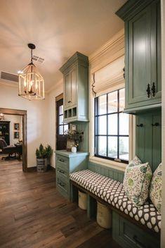 80 Modern Farmhouse Mudroom Entryway Ideas - Decorating Ideas - Home Decor Ideas and Tips Home Interior, Kitchen Interior, Kitchen Design, Kitchen Ideas, Interior Ideas, Style At Home, Mudroom Cabinets, Kitchen Cabinets, Kitchen Paint