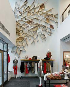 Trabalho do artista Christopher Bettig em loja.