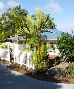 Darrell Hill Cottage at the Holualoa Inn | A Kona Bed and Breakfast Overlooking Kona Hawaii and Kailua Beaches