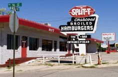 Split T Restaurant OKC- and Western- only the sign remains. Home of the Theta burger This was a favorite place that Lynn and I went too before we were married. Never Been To Spain, Retro Signage, Vintage Neon Signs, Old Signs, Googie, Oklahoma City, That Way, Travel Usa, Great Places
