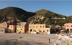 français-francese-France-Francia-Italie-italia-milan-milano-le-petit-journal-expat-lepetitjournal.com-actu-plage-nord-spiaggia-mer-mare-tourisme-vacances-ligurie-gênes-genova-venise-venezia-cavallino-jeloso-adriatique | lepetitjournal.com Milan, Journal, France, Mansions, House Styles, Nice Beach, Beaches, Venice, Tourism