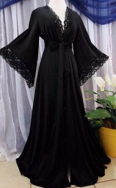SOLD - M.Vtg.Jet black hippie boho ,pointed sleeves lace vintage peignoir robes lace