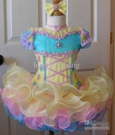 2013-colorful-little-girls-kids-cupcake-pageant.jpg (500×588)