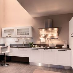 Lacquered Ash Kitchen With Handles Gallery Collection By Cucine Lube