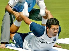 Sachin Tendulkar is a former Indian cricketer and captain who has practiced yoga for years.  #broga #yogaformen #mendoyoga #yogadudes #yogamen #celebrityyoga