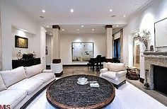 Kim Kardashian's Beverly Hills Living room