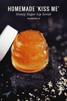 All-Natural DIY Sugar Lip Scrub with Honey | http://HelloNatural.co DIY Beauty Tips, DIY Beauty Products #DIY