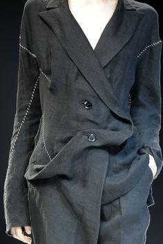 untitledblogproject:  Yohji Yamamoto S/S2009  May be a remake idea fir the Versace suit?