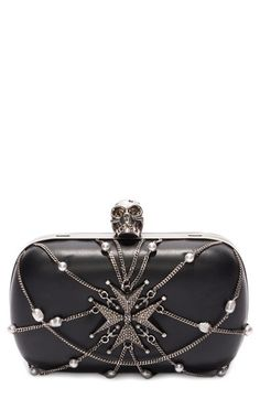 ALEXANDER MCQUEEN 'Classic Skull' Chain & Leather Frame Clutch. #alexandermcqueen #bags #shoulder bags #clutch #leather #crystal #hand bags
