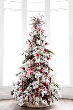 Flocked Tree with Red Christmas Decor Flocked Tree with Red Christmas Decoration #flockedchristmastree #RedChristmasDecor Via Pink Peonies