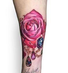 18 ideas tattoo rose men sleeve colour for 2019 Gem Tattoo, Tattoo Video, Jewel Tattoo, Diamond Tattoos, Rose Tattoos, Flower Tattoos, Body Art Tattoos, Tattoo Girls, Girl Tattoos