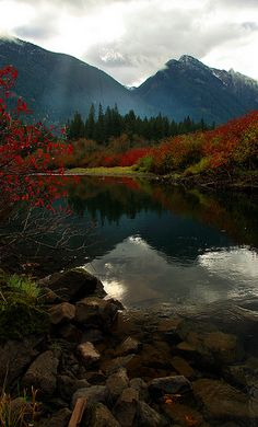 A cool and colorful morning along the Sumallo River in Manning Provincial Park, British Columbia, Canada • photo: Justin Brown on Flickr