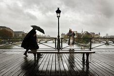 A travers les photographies de Christophe Jacrot redécouvrez Paris sous la pluie comme vous ne l'avez jamais vu !