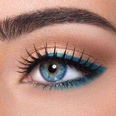 Бьюти-тренд: голубые и синие тени