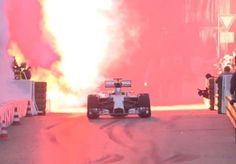 Stars&Cars 2014: a Stoccarda si festeggia la conclusione di una gloriosa stagione di F1 http://www.mercedesbenzclub.it/blog/2014/12/stars-cars-2014-festeggiamenti-a-stoccarda-per-la-stagione-sportiva/