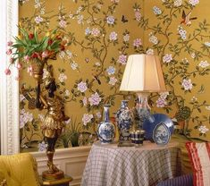 爱 Chinoiserie? Mais Qui! 爱 home decor in Chinese Chippendale style - golden hand painted wallpaper