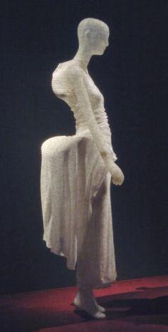 Rei Kawakubo, Comme des Garçons, Spring/summer 1997 Dress becomes body becomes dress