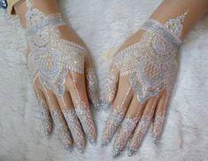White Henna Tattoo, Compass Tattoo, Henna Art Designs, Glitter Dust, Dream Wedding, Wedding White, Mehendi, Beautiful Hands, Paisley