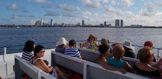 Passeio de catamarã pelo Rio Capiberibe