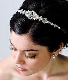 Google Image Result for http://decorationideas.files.wordpress.com/2011/07/bridal-headband.jpg