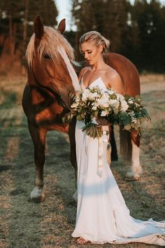 bridal photography poses This couple wanted a fresh spin on a timeless tradition and Cherry Creek Estate wedding provided a perfect setting, accented by a neutral color palette Horse Wedding Photos, Country Wedding Photos, Wedding Pictures, Country Weddings, Bridal Portrait Poses, Wedding Portraits, Wedding Photography Poses, Photographer Wedding, Bridal Shoot